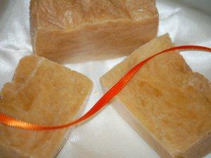 Apricot Freesia-apricot puree soap