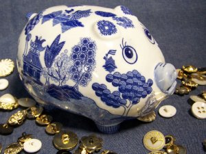Blue Willow Piggy Bank BRAND NEW