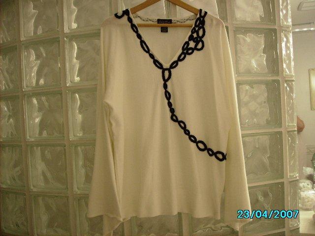 Ladies Patty LaBelle designer knit top