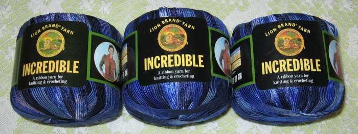 """$18 Lot--3 Skeins Lion Brand Incredible """"Blue Shades"""" Yarn + Free Gift!"""