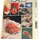 McCall 's Sewing Pattern 7651 Holiday Table Settings