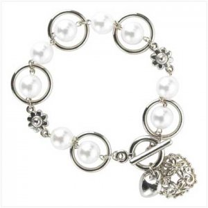 Pearl Hoop Bracelet & Heart Toggle Clasp