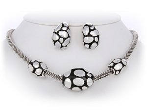 Black & Silver John Hardy Look Necklace Set