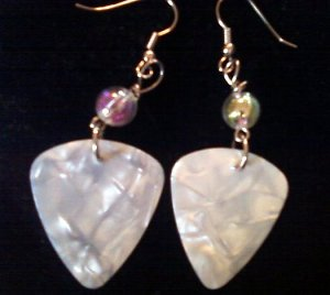 Pearly White Guitar Earring.