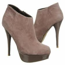 STEVE MADDEN CHELSEEY BOOTIE IN BLUSH SUEDE