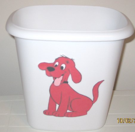 Clifford the Big Red Dog Trash Can
