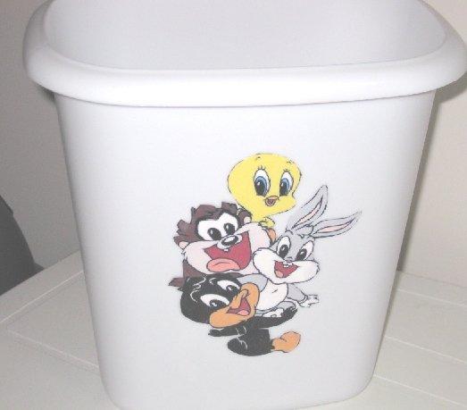 Looney Tunes Babies Trash Can