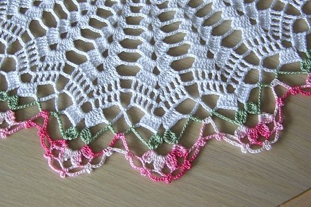 """14"""" Spring Blooms doily"""