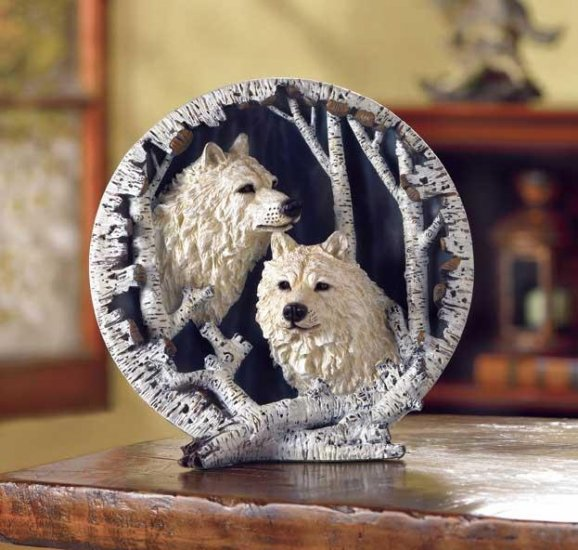 WHITE WOLF COLLECTOR`S PLATE---Item #: 31047