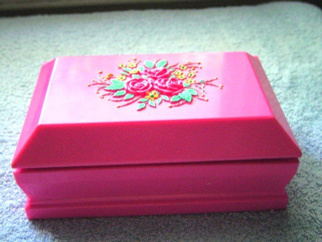 Pink Plastic Casket Box Rabbit Family Home Toy #600049