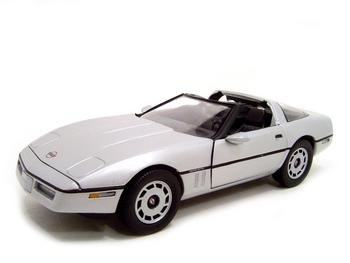 JAMES BOND 007 1984 CORVETTE 1:18 ERTL DIECAST MODEL