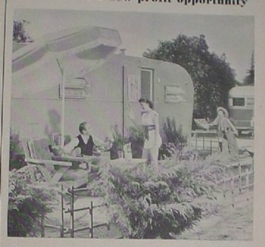 1949 ADS TRAILER COACH LIVING HUSBAND WIFE SON ON PATIO UNIVERSAL BEAM-O-LITE IRON MODERN HOUSEWIFE