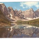 1971 SPLENDID VIEW OF MORAINE LAKE & SURROUNDING MOUNTAINS BANFF NATIONAL PARK