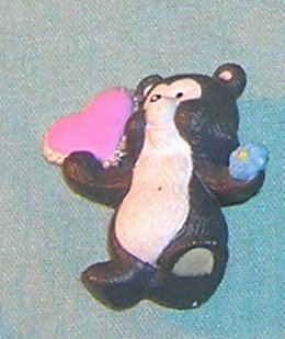 1993 Hallmark Merry Miniature Skunk with Heart