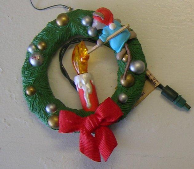 1990 Chris Mouse Wreath Hallmark Ornament