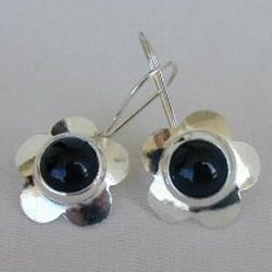 Black flowers earrings