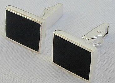 Black-I-1-CufflinksBeautiful cufflinks