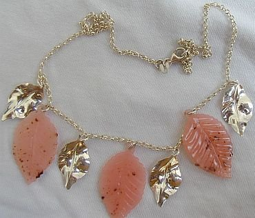 Pink morano leaves necklace