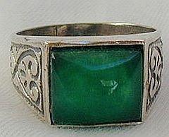 A green agate  man ring