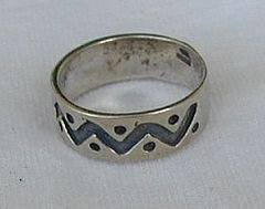 Spots silver ring