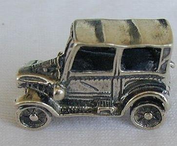 Syoma's antique car