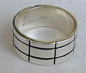 Bricks  ring