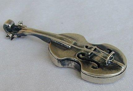 Violin miniature