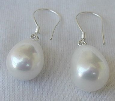 White egg pearls earrings