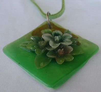 Green flowers mother of pearl