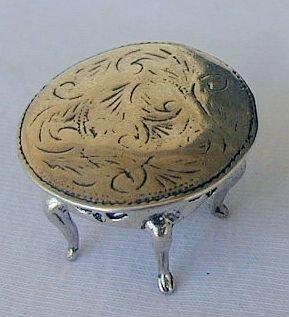 Round table miniature