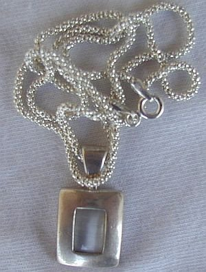 White mini pendant