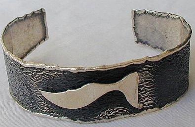 Silver bangle-B