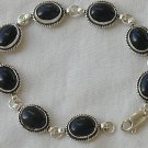 8 oynx stones bracelet