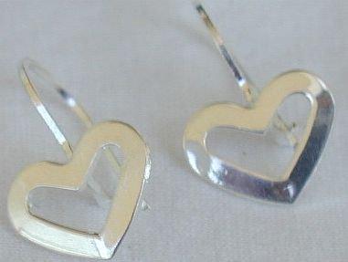 Mini open hearts earrings