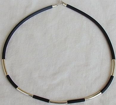 Black caucciu necklace with silver links- unisex