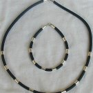 Black caucciu necklace and bracelet