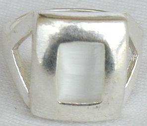 White cat eye  silver ring
