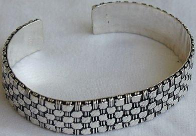 Handmade Hiburim b bracelet