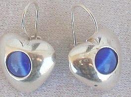 Blue cat eye hearts earrings