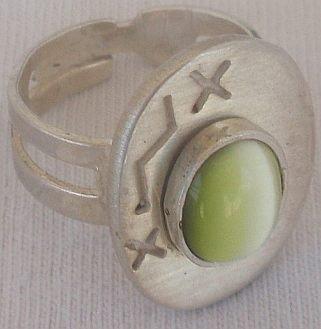 Green  light cat eye silver ring