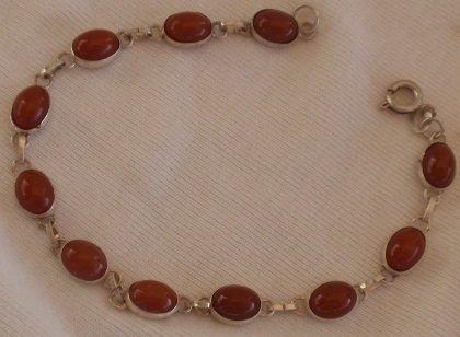 Brown maskit bracelet