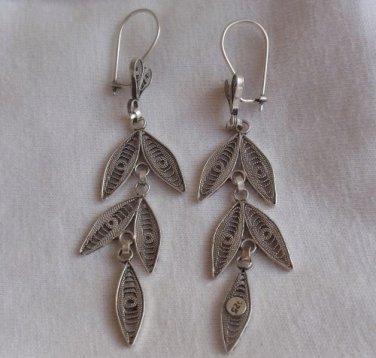 Beautiful leaves earrings