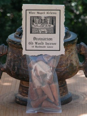 Divination . Old World Incense 16 Cones