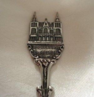 Amsterdam Rijksmuseum souvenir spoon HvdM Holland Netherlands 1075vf