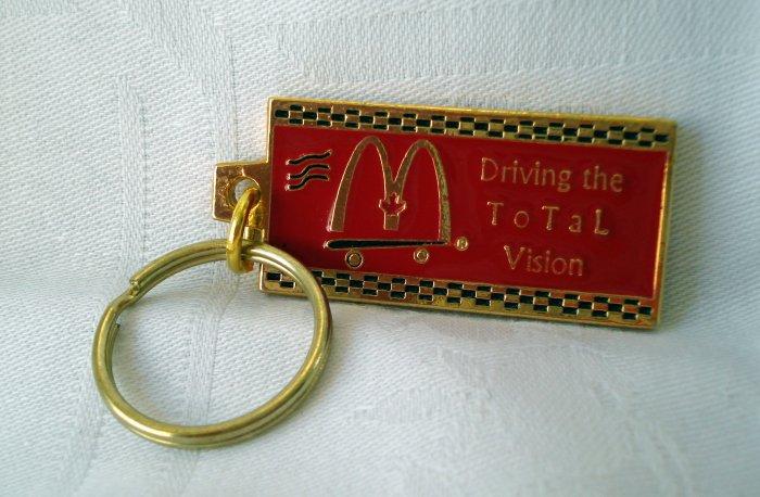 McDonalds Golden Arches Cornelius 1999 souvenir key ring 1326vf