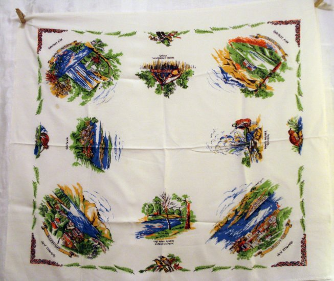 New Zealand souvenir tablecloth cities scenery monuments mid century vintage1345vf
