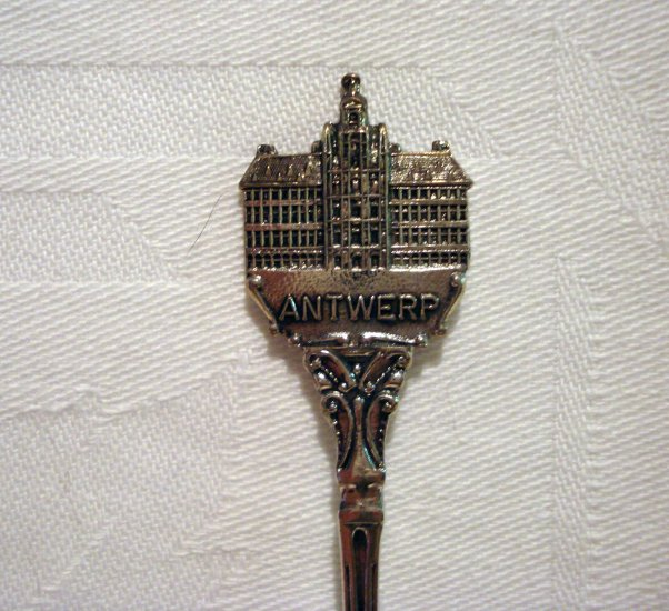 Antwerp Belgium silverplated souvenir spoon city hall made in Holland vintage 1423vf