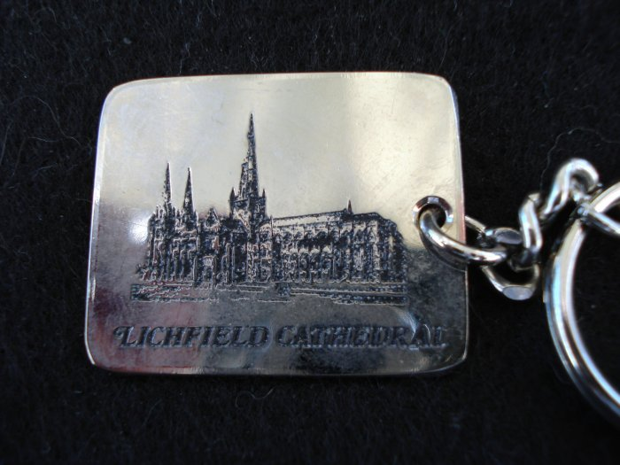 Litchfield Cathedral souvenir key chain pre-owned 1431vf