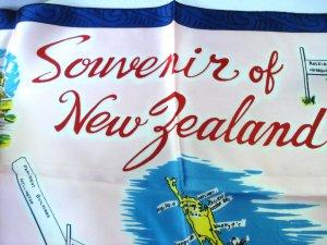 Souvenir of New Zealand scarf acetate signposts unused vintage1513vf