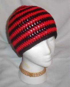 Hand Crochet ~ Sweet Beanie ~ Goth Black/Red Emo Unisex
